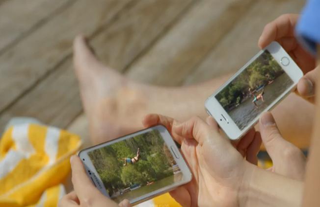 بالفيديو..سامسونج تسخر من آيفون 5 إس في إعلان لجالاكسي إس 5