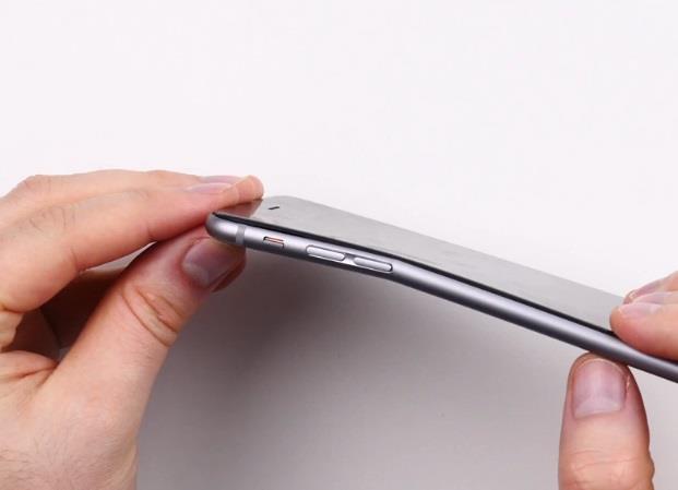 أبل تستبدل هواتف آيفون 6 بلس المنحنية بشرط