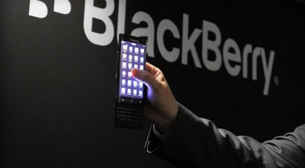 بلاكبيري تستعد لإطلاق هاتف ذكي جديد ذو شاشة منحنية