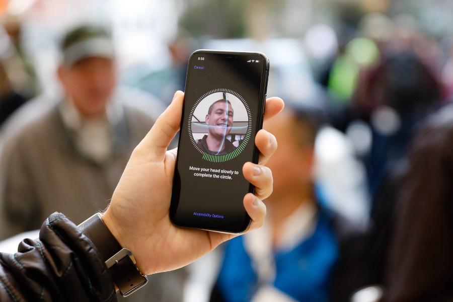 كيف تحظى بميزة التعرف على الوجه في أي هاتف أندرويد؟