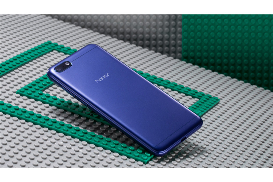 الكشف رسمياً عن هاتف أونور 7 بلاي بمميزات قوية وسعر 350 درهم إماراتي