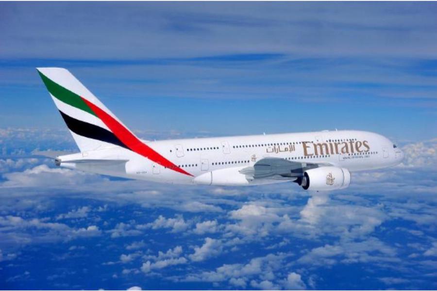 طيران الإمارات يقدم تقنية الواقع الإفتراضي للتجول داخل طائراته